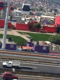 """Denucnas Ecatepec FacebookComo ya se fueron Eruviel Ávila y @EPN con todo y sus francotiradores, ya no es necesaria la vista """"bonita"""", ya se llevan el pasto sintético que """"adornó las canchas del parque... jaaaaa no tienen madre."""