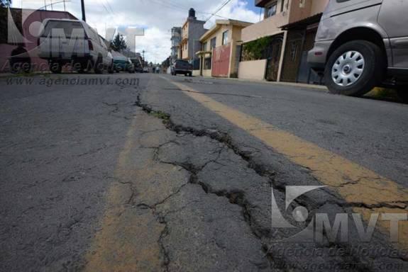 Casas a punto de colapsar en Toluca por pésimo drenaje