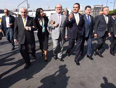 Gobernadores del PRD se reúnen en privado con el titular de Hacienda