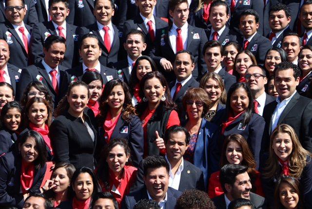 México requiere de hombres y mujeres preparados, no más improvisación: Carolina Monroy