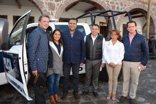 Francisco Gómez, entrega patrullas y equipamiento en Tenango del Valle