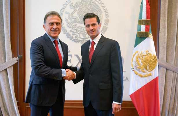 Peña Nieto y Yunes acuerdan atender crisis en Veracruz