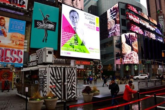 Miguel Ángel Mancera promociona su imagen en Times Square