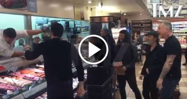 Metallica cantó 'Enter Sandman' con fanáticos en un supermercado