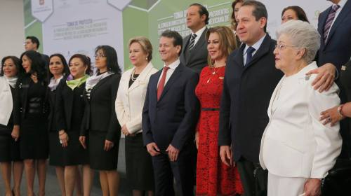 Capacita Edoméx a 160 mil mujeres para que inicien su propio negocio: Eruviel Ávila