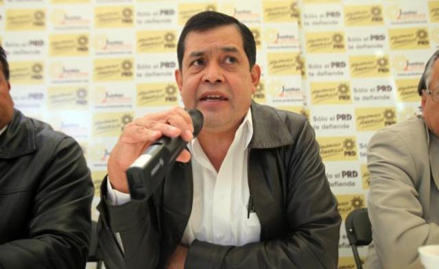Edil de Neza pide a la SHCP que bajen precios de la gasolina