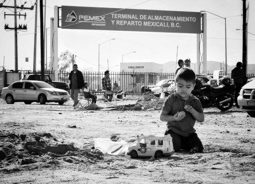 Sin gasolina por los bloqueos en mexicali