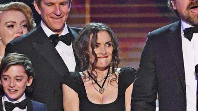 Winona Ryder y sus caras se roban el show en los SAG Awards