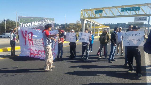 Liberan la México-Toluca tras de bloqueo por gasolinazo