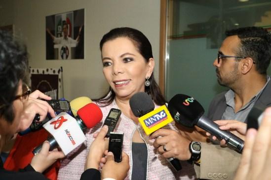 Carolina Monroy apoya las aspiraciones de Alfredo del Mazo
