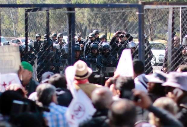 Enfrentamiento entre policías y pobladores en Hidalgo