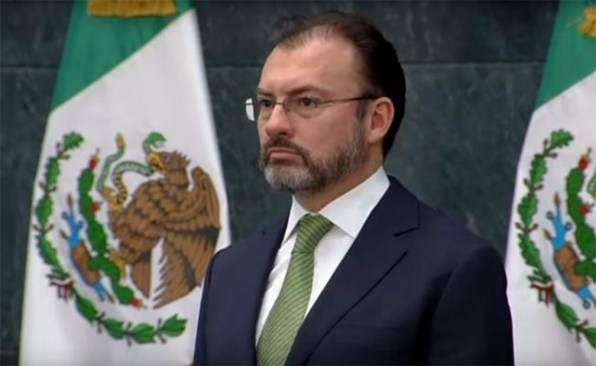 México renegociaría TLC, si le beneficia: Videgaray