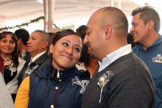 Sellan su amor 230 parejas de Toluca con gran fiesta, baile y pastel