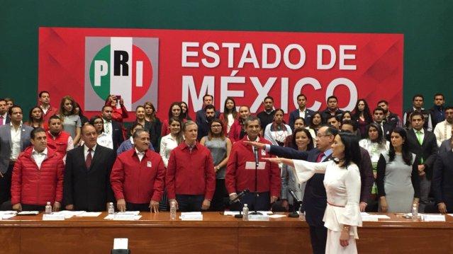 Toma protesta de Alejandra del Moral como presidenta del PRI en el Estado de México