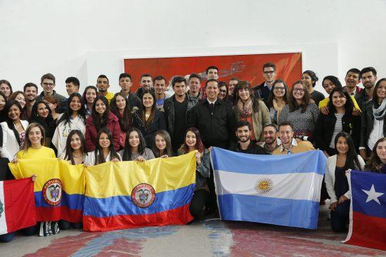 Estudiantes de 10 países arribaron a la UAEM