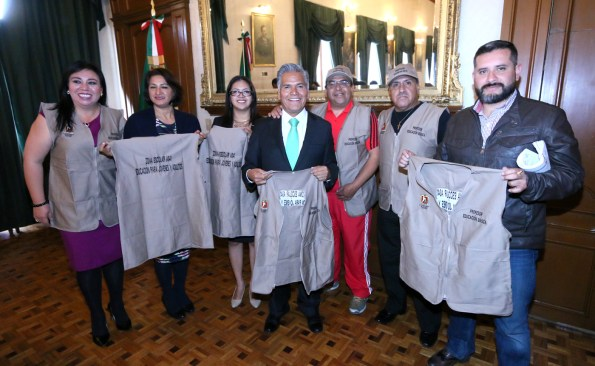 Agradecen estudiantes de Toluca apoyo del gobierno que encabeza Fernando Zamora