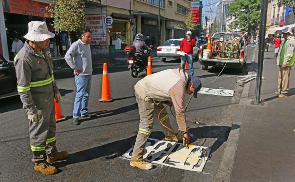 Señalizan ciclovía en calles del Centro Histórico de Toluca
