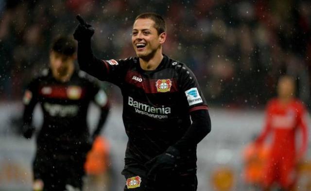 'Chicharito' marca doblete en la victoria del Bayer Leverkusen