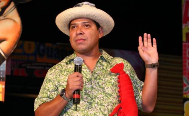Roban auto al comediante 'El Costeño' en Periférico