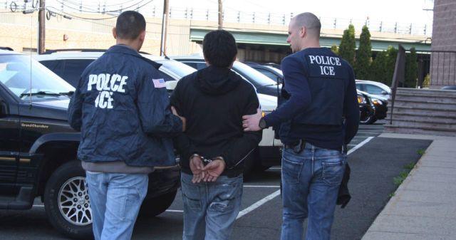 Más de 680 personas son arrestadas en redadas a inmigrantes en EEUU