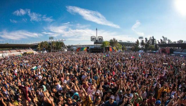 Las personas viven al máximo el Vive Latino