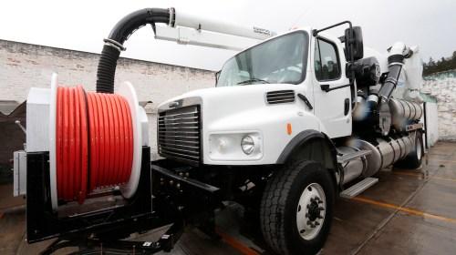 Estrenará Toluca camiones para recolección de basura, moto patrullas y un Vactor
