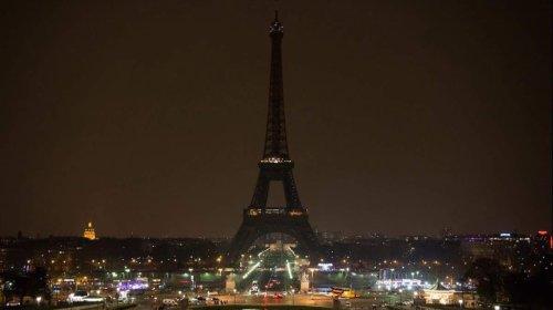 Por luto apagan la Torre Eiffel tras el ataque terrorista en Londres
