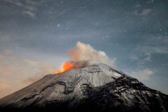 Gobierno del Estado de Mexico exhorta a no subir al Volcán Popocatépetl
