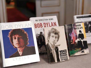 Bob Dylan recibe el Nobel