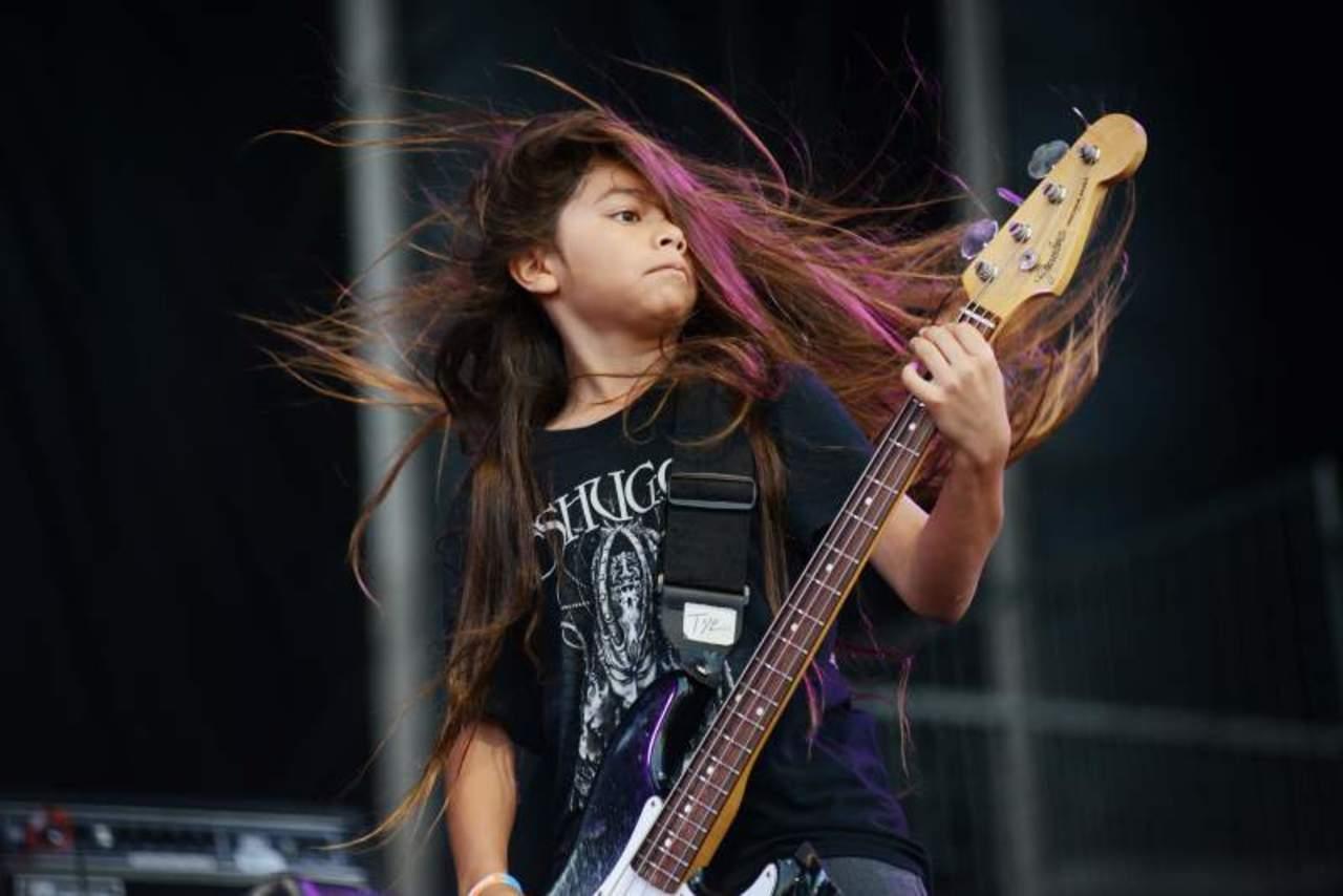 Hijo del bajista de Metallica de 12 años se une a Korn