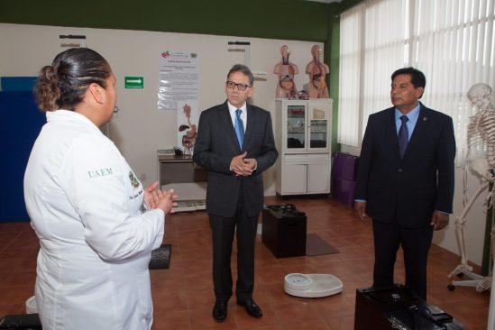 Barrera Baca propone Bienales para proyectar el talento de los universitarios