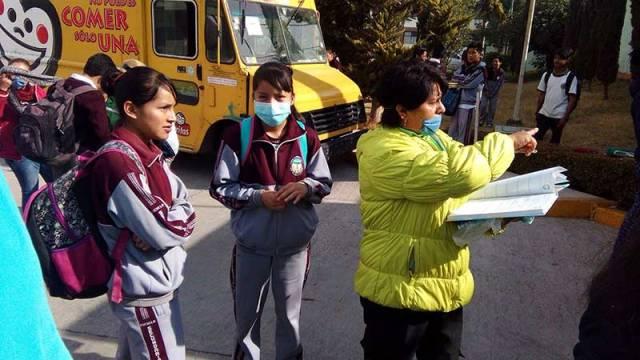 250 niños evacuados de una primaria en Lerma por olor a acrílico