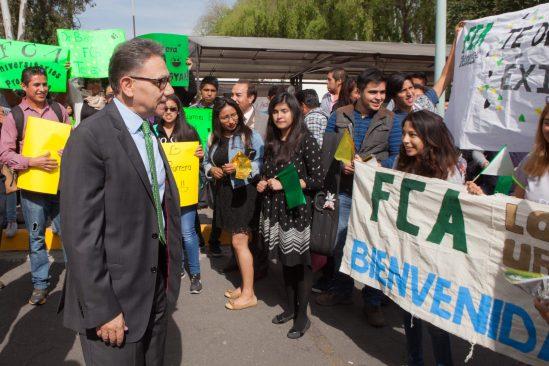 Barrera Baca promoverá que más profesores realicen estancias en el extranjero