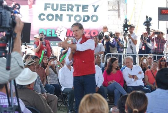 Alfredo del Mazo promete apoyar a la productividad de San Pedro Tultepec
