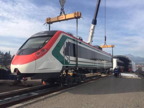 Hacen pruebas del Tren Interurbano México-Toluca