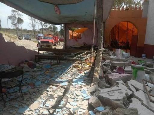 Deja 24 lesionados explosión en  iglesia de Almoloya de Juárez