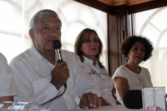 López Obrador promete castigar al Ejército por el caso Ayotzinapa