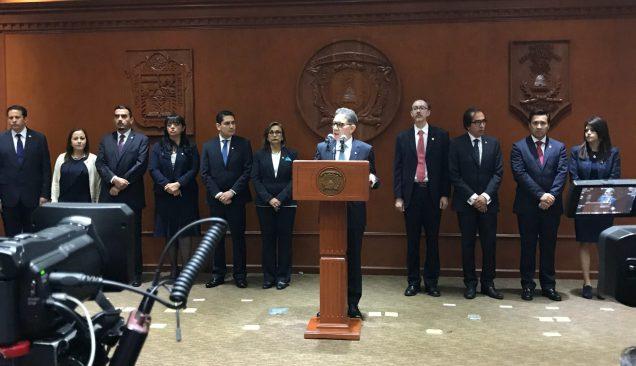 Presenta Rector Alfredo Barrera al nuevo gabinete universitario