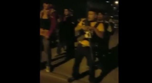 VIDEO: Sicarios rezan antes de comenzar balacera