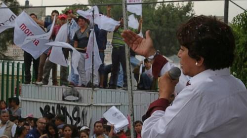 Delfina pide a Peña Nieto sacar las manos de proceso