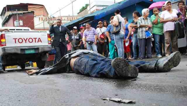 Suman 44 muertos por ola de violencia, en Venezuela