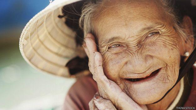 Entrega Eruviel Ávila prótesis dentales para mejorar calidad de vida de abuelitos