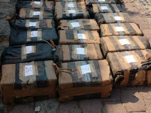 Halla Marina 825 kilos de 'coca' escondida en buque pesquero