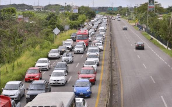 Reabren autopista México-Querétaro tras atender fuga de gas