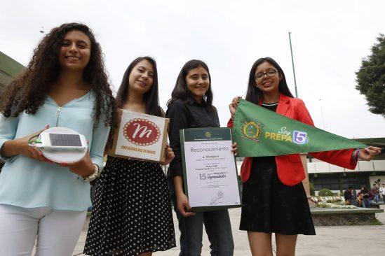 Universitarias desarrollaron recipiente para calentar alimentos con energía solar