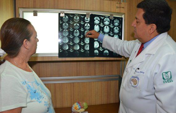 Incrementan enfermedades neurodegenerativas: IMSS