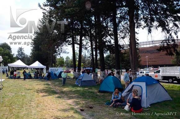 Ciudadanos instalan campamento para evitar ecocidio en Tollocan