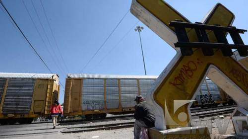 Tren arrolla a una persona en la Toluca