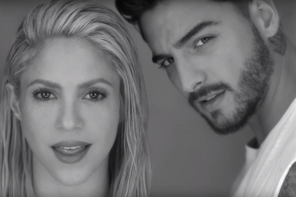 Una sensual Shakira en blanco y negro, junto a Maluma