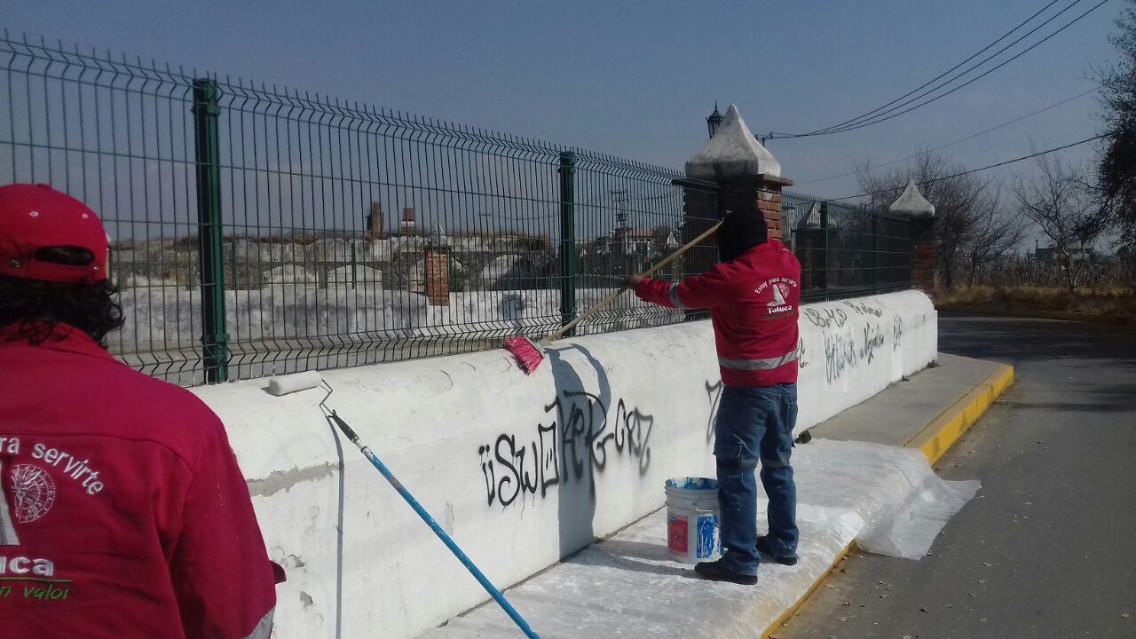 Continúa Toluca con el mantenimiento de espacios públicos